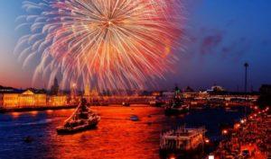 Салют на День ВМФ в Санкт-Петербурге
